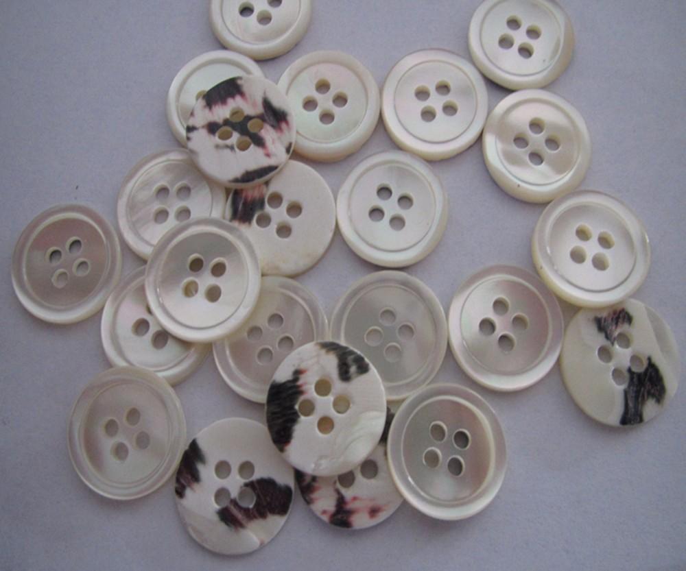 Cáscara de 25 10mm de color pastel pequeños botones redondos 2 agujeros