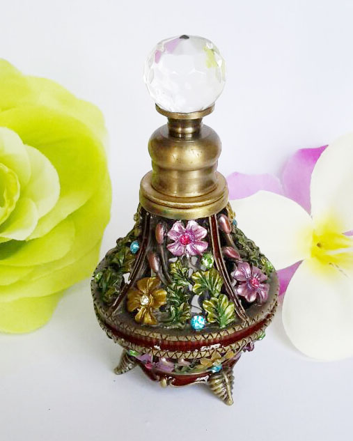 Retro Metal Empty Vase Beautiful Adornment Crafts Travel Gift Makeup Perfume Bottle For Birthday Gift(China (Mainland))