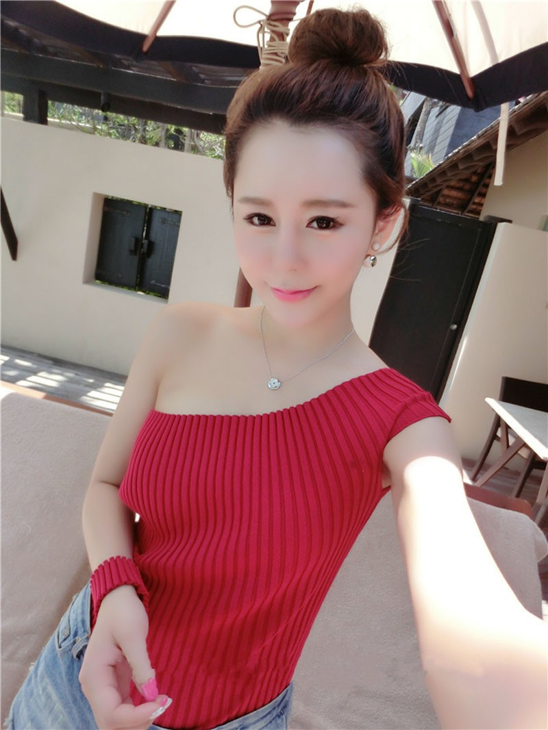 New 2016 Summer Fashion Sexy Off The Shoulder Tops For Women Casual Short Sleeve Knitted T-shirts Women Tops
