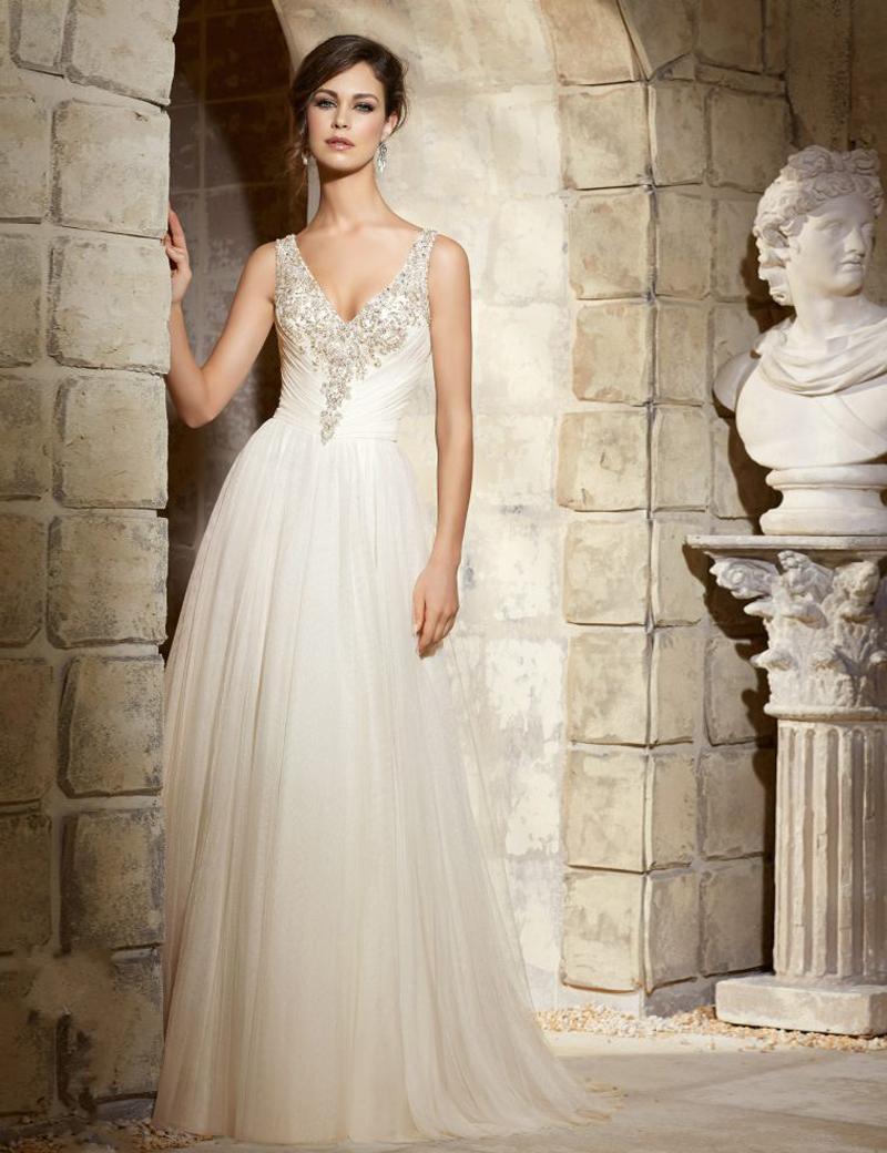Romantic robe de mariage 2016 sexy v neck sleeveless for Beaded wedding dress designers