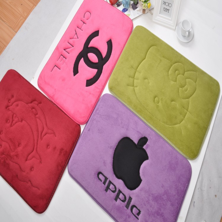 2015 New Arrival 40x60cm Brand Rectangle Water Wash Carpet Bathroom Apple Mats Hello Kitty Child Carpets and Rugs Freeshipping(China (Mainland))