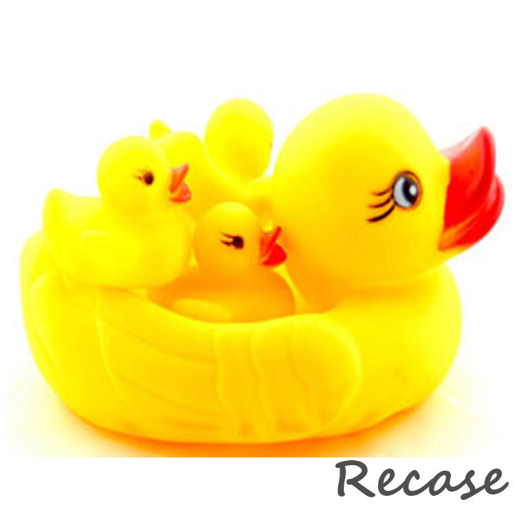 2015 SO CUTE TOY Latex Yellow Bath Toy duck Squeeze-sounding Dabbing Toy(China (Mainland))