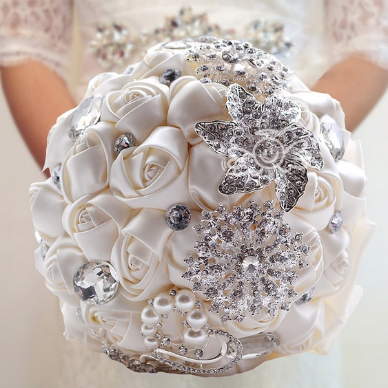 Elegant Handmade Luxurious crystal brooches pearl silk roses holding flower D336 Bride Bouquets silk Bridal Wedding Bouquets(China (Mainland))