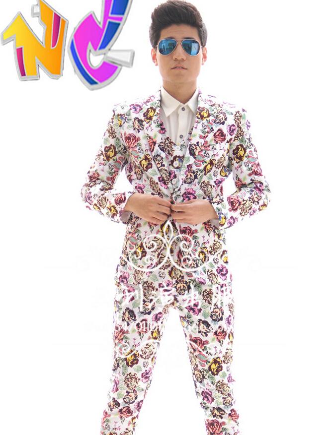 2015 new Guests costumes Dress casual flower color suits Soho bar DJ male singer DS nightclubs fashion jackets (Suit+vest+Pants)Îäåæäà è àêñåññóàðû<br><br>