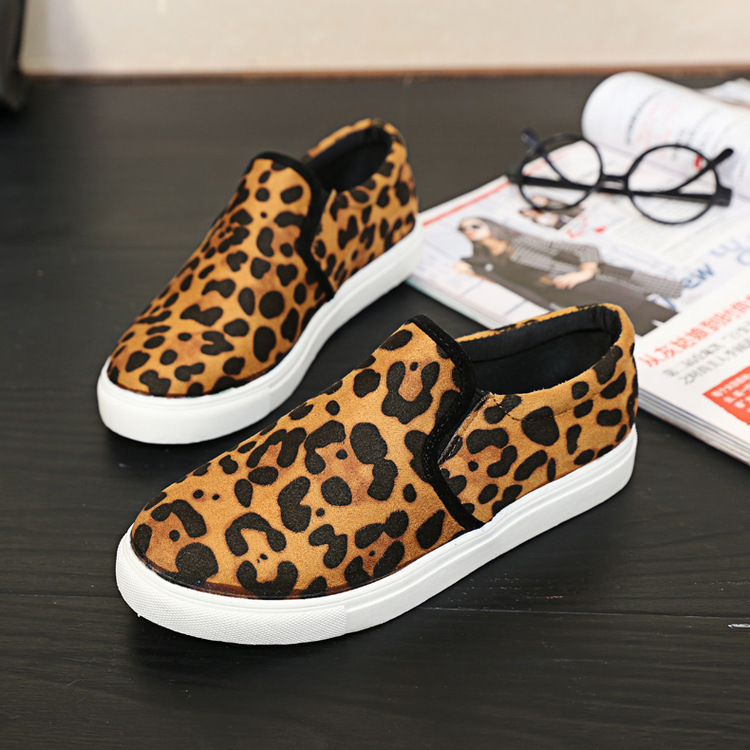 Free shippine 2015 New women casual fashion falt shoes black leopard round toe slip on lafers shoes sneakers size 35-40(China (Mainland))