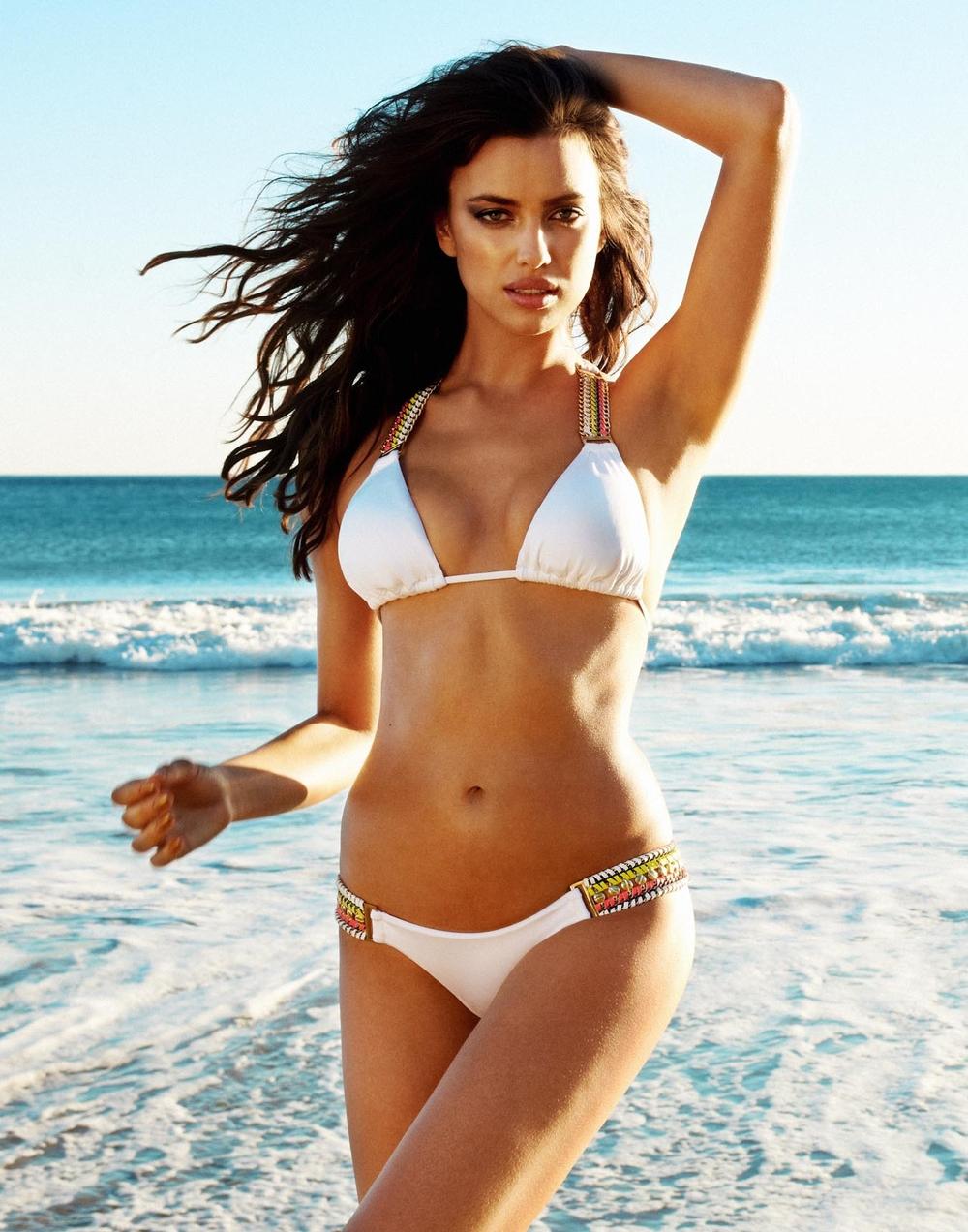 Фото женщин на пляже в бикини и без 1 фотография