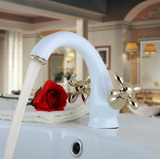 2014 Classic Dual Handle Dual Holder <2kg Ceramic Hot Sale Top Fasion Faucet Handles Torneiras Faucet Sink Bathroom Vanities(China (Mainland))