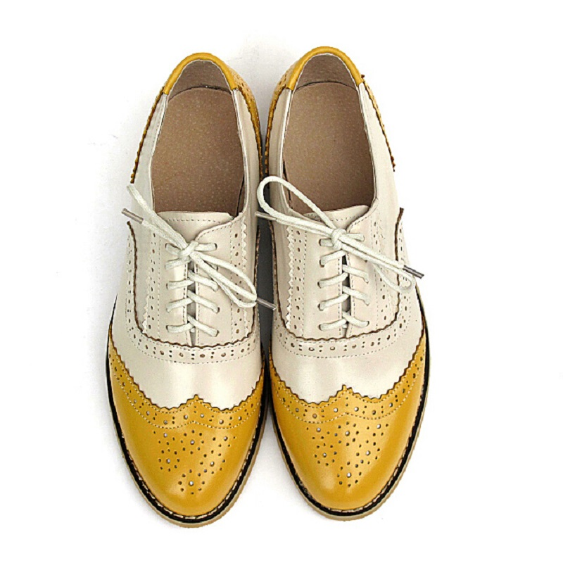 Фотография Plus Size 34-43 New 2016 Fashion Vintage Guneuine Leather Women Flat Lace Up Brogue Oxford Shoes For Ladies Casual Flat Shoes