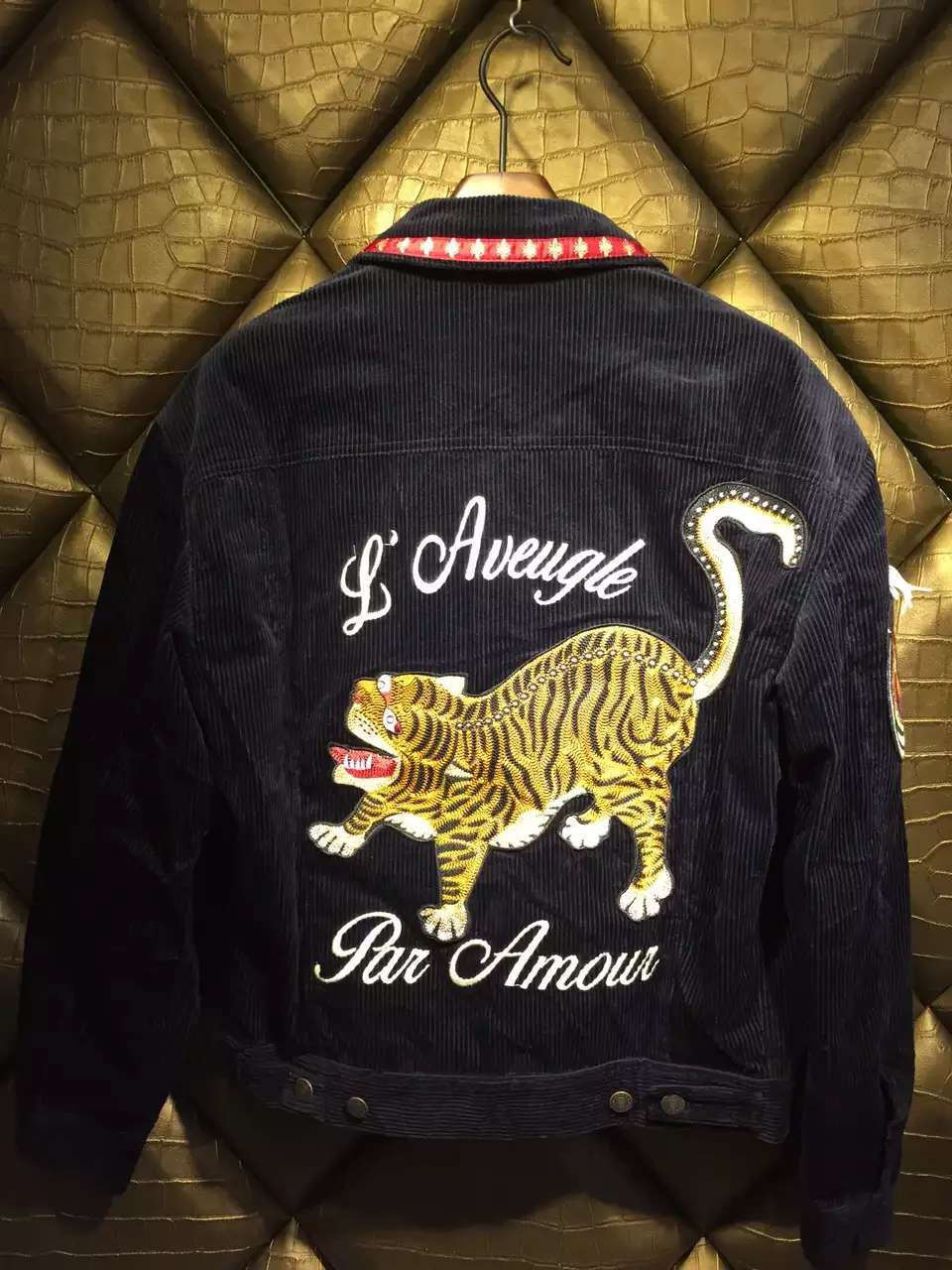embroidery tiger 2016 new style men's corduroy jacket(China (Mainland))