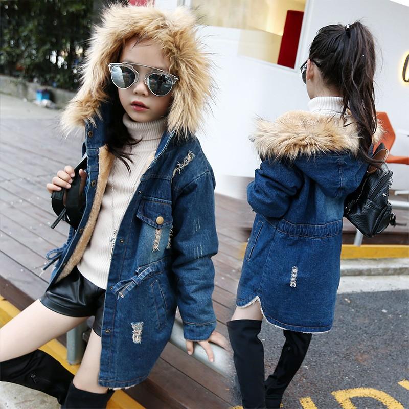 Скидки на 2016 Осень Новый Стиль Мода Девушки детская Одежда Джинсовая Куртка Пальто Фитнес Длинные Капюшоном Девушки Теплые Пальто С Hat WT03