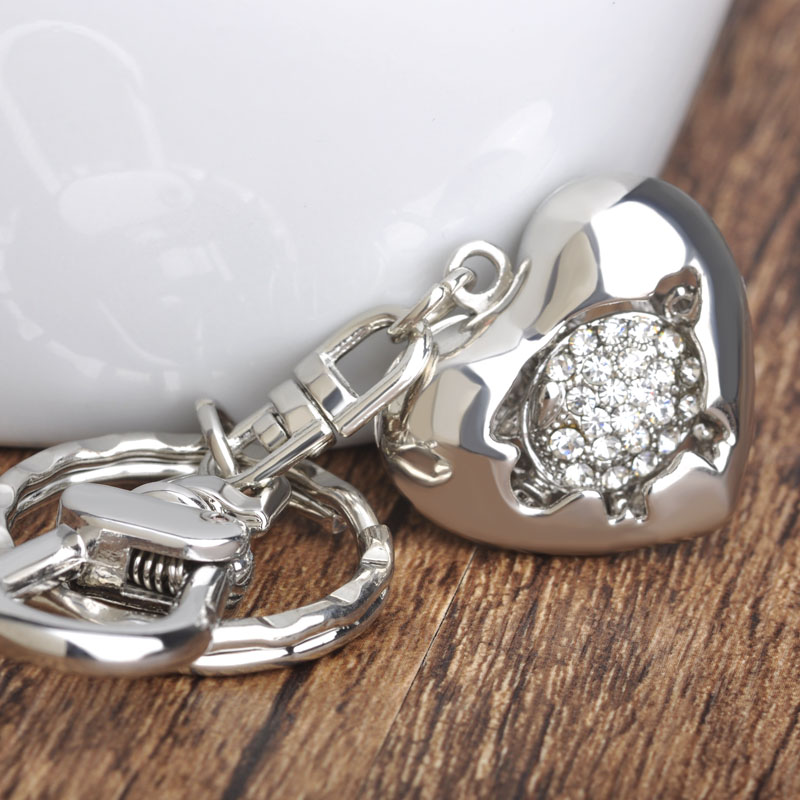 Sweat Heart Piggy Couple Keychain Valentine Gift Love Ornament Key Rings Crystal Paved Exquisite Key Holder Souvenir Chaveiros(China (Mainland))