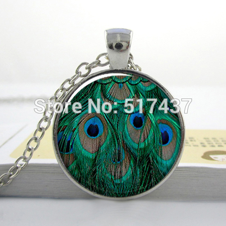 Peacock Feathers pendant, peacock necklace resin pendant, peacock jewelry(China (Mainland))