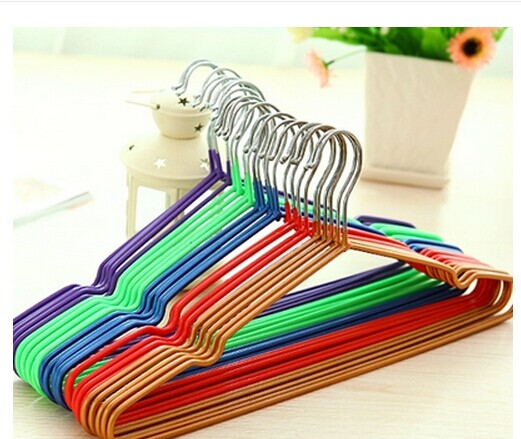 5pcs/lot Non-Slip Metal Shirt Trouser Hook Hangers Red/Blue/Yellow/Purple Hangers For Clothes Plastic/Metail(China (Mainland))