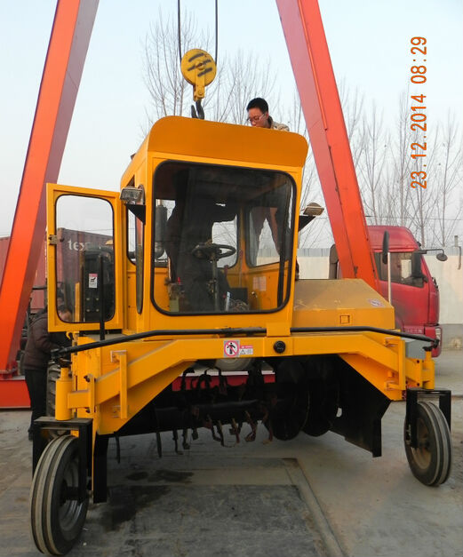 Manure Compost Turner,automatic control compost turner machine,Organic Fertilizer Compost Turner(China (Mainland))