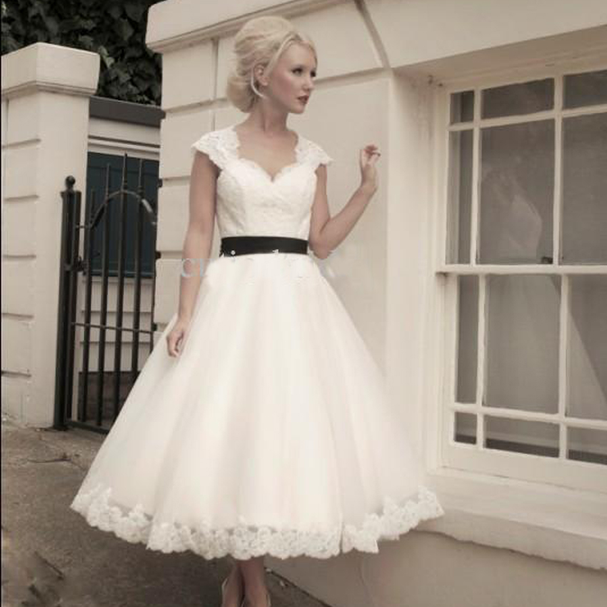 Jacqueline Vintage Lace Short Wedding Dress 35