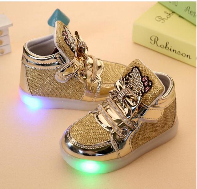 2016 осень дети повседневная обувь детская спортивная обувь мальчики девочки кроссовки обувь принцесса кроссовки световой сапоги бесплатная доставка