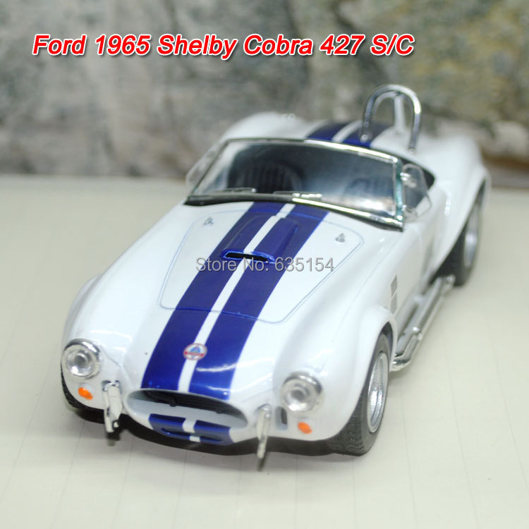Brand New 1/32 Scale Pull Back Car Toys Classic Ford 1965 Shelby Cobra 427 S/C