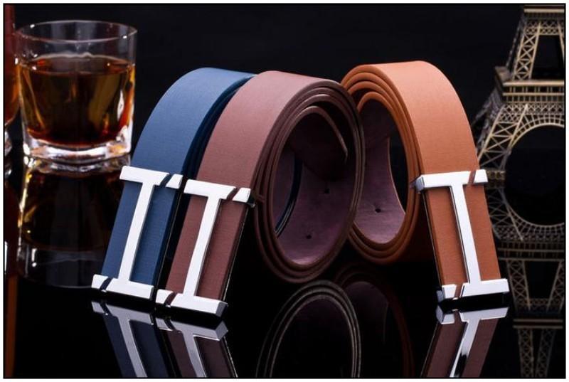Кожаный ремень с пряжкой в виде буквы, фото