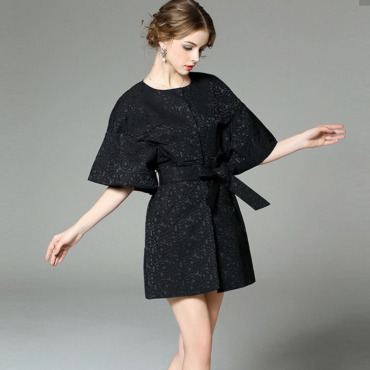 T2138 station in Europe in the spring of 2016 new female geometric jacquard raglan sleeve cuff button big Belted Coat