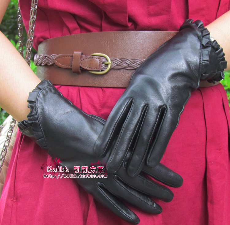 Quality genuine leather gloves suede gloves women's gloves laciness thermal female small fresh(China (Mainland))