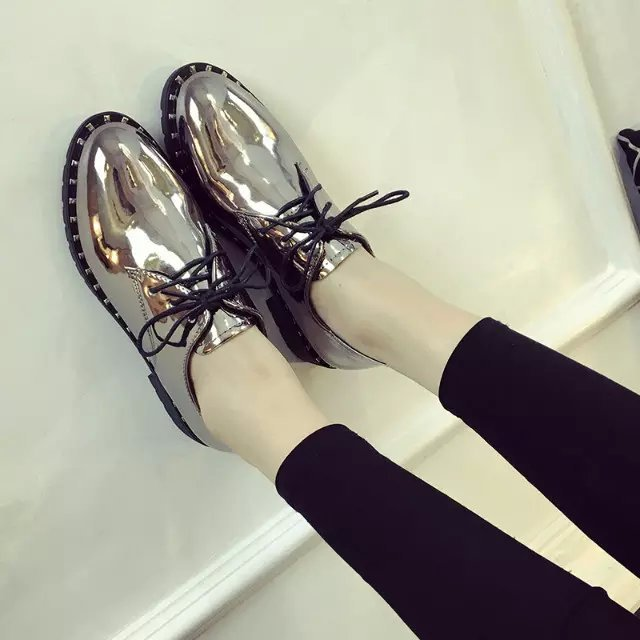 Famous designer flat shoes women japanned leather creepers rivets lace up brogue shoes punk style shoes women zapatos mujer(China (Mainland))