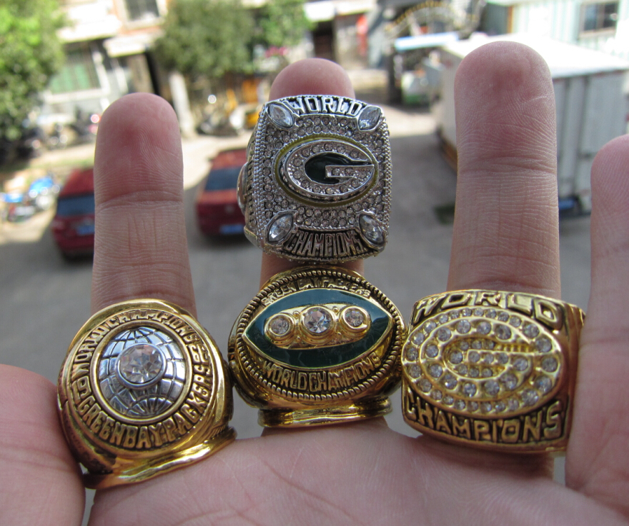 Free Shipping 1965 1967 1996 2010 GREEN BAY PACKERS SUPER BOWL CHAMPIONSHIP RING 4 Together Football ring high quality fan gift(China (Mainland))