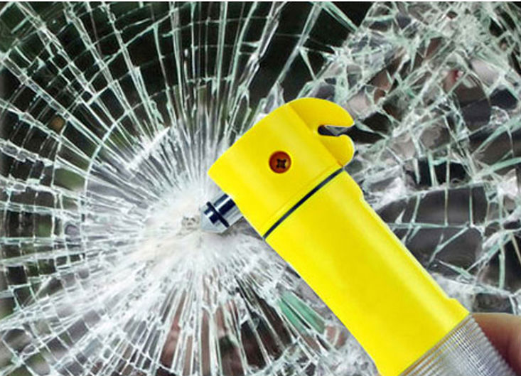 2015 new Safety hammer car auto escape multifunctional flashlight emergency light signal lamp accessories automotive universal(China (Mainland))