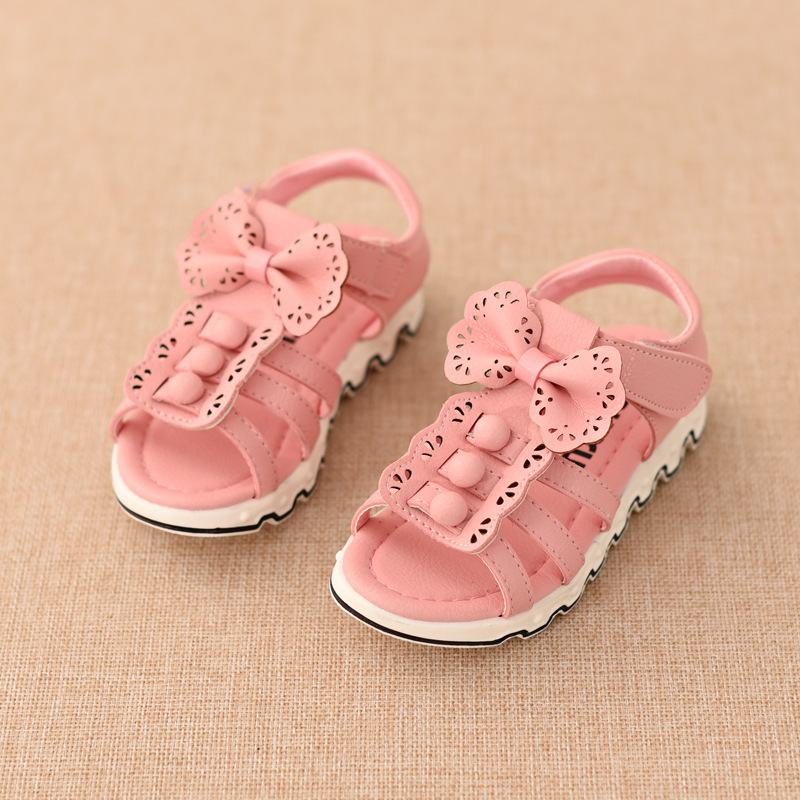 The 2016 Summer Shoes Hollow Skidproof Sandals Rubber Soft Leather Ankle-wrap Girls Kids For Gold Flower Girl(China (Mainland))