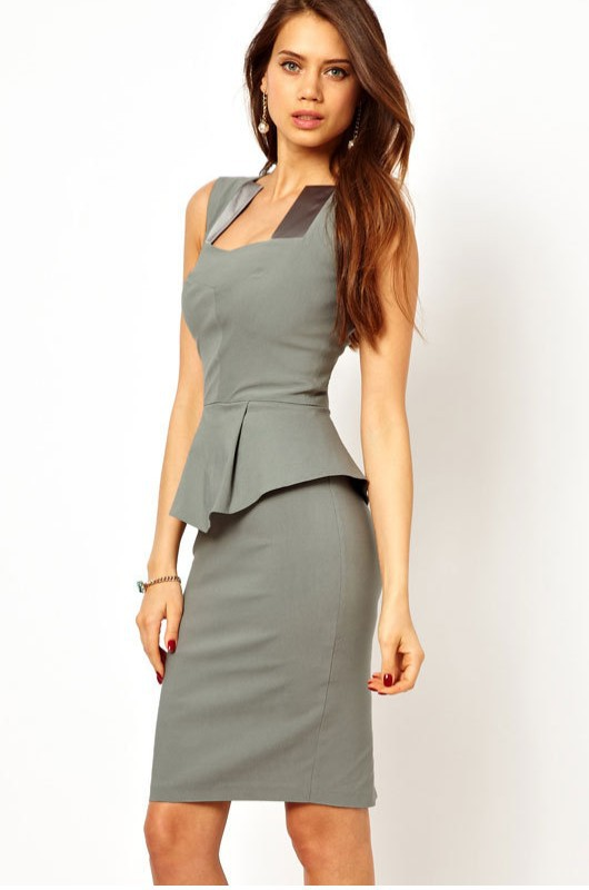 Find and save ideas about Women business attire on Pinterest. | See more ideas about Work fashion, Business outfits and Women work outfits. Women's fashion. Women business attire; Women business attire 46 Trending Casual Outfits Attire for Modern Women - Fashionetter Suits for women can be hard: navy is a professional color that looks good.