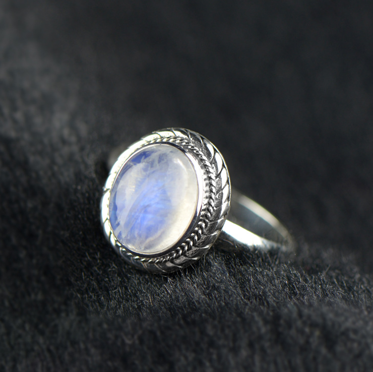 925 Sterling Silver Genuine White Oval Moonstone Band Ring(China (Mainland))
