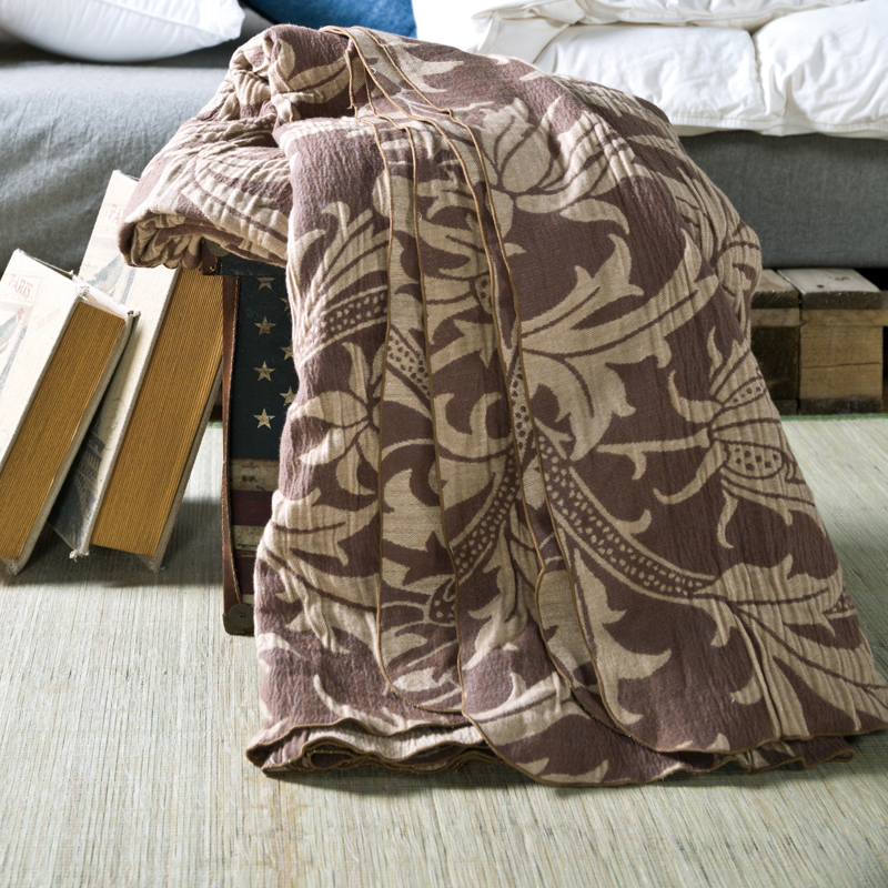 Фотография 100% cotton Multilayer gauze brown classic blanket 180*200cm,highest quality, super soft  Naked sleep