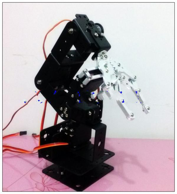The new five degrees of freedom robotic arm with three-dimensional rotating pedestal supporting the perfect upgrade education