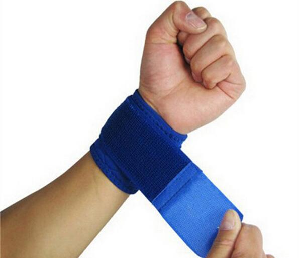 Adjustable Soft Wristbands Wrist Support Bracers for Gym Sport Basketball Carpal Protector Breathable Wrap Band Strap Safety(China (Mainland))