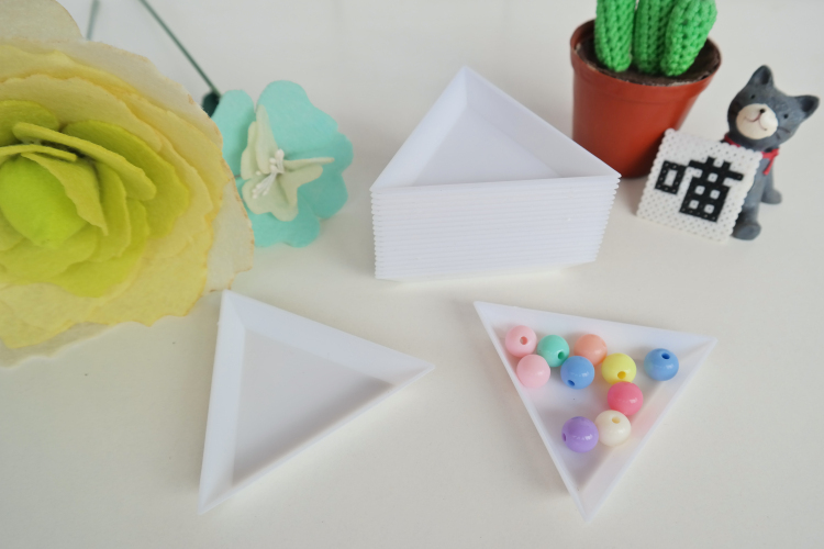 2.6MM/5MM DIY Hama Beads Triangle Storage Box Plastic kit 1SET=5PCS Accessories/part/spare free shipping(China (Mainland))