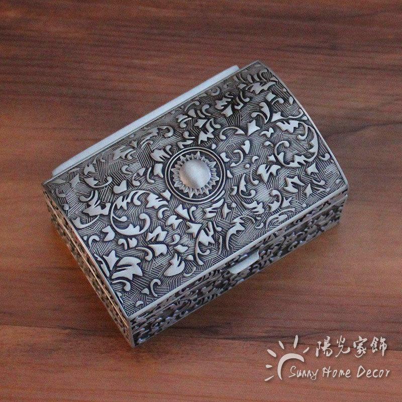 Free Shipping - Fashion Metal Jewelry Case trinket box Vintage Carved Flower Design Tin-alloy Box