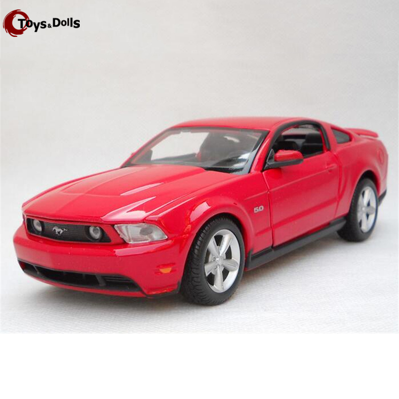 1/24 Scale Maisto 2011 Ford Mustang GT Diecast Alloy Car Model W Openable Doors Toy For Kids gift Collection Decoration(China (Mainland))