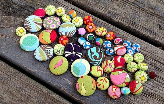 200pcs handmade Cotton Fabric Covered Buttons - flat backs 10mm-25mm, assorted colors patterns and sizes(China (Mainland))