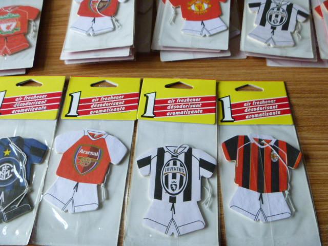 120pce World famous soccer jersey football team Team logo car air freshener Football air freshener Random shipments(China (Mainland))