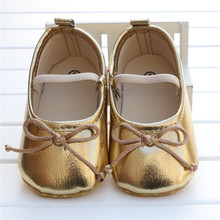 2015 Newborn Baby Girl Shoes Gold Patent Leather With Bowknot Soft Sole Toddler Moccasins Sapato Infantil Menina Zapatos Ninas(China (Mainland))