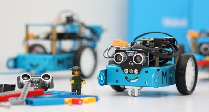 Фигурка героя мультфильма MakeBlock mBot robot kit programed remote control children toy Robots робоконструктор ultimate robot kit makeblock
