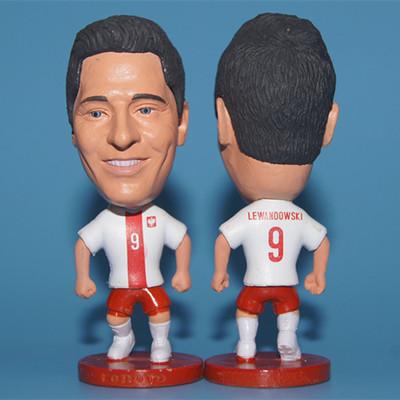 Soccerwe Soccer Star Resin 2.55 Inches Height Poland 9 Roberto Lewandowski and 2016 Club Red Kit Mini Figure(China (Mainland))