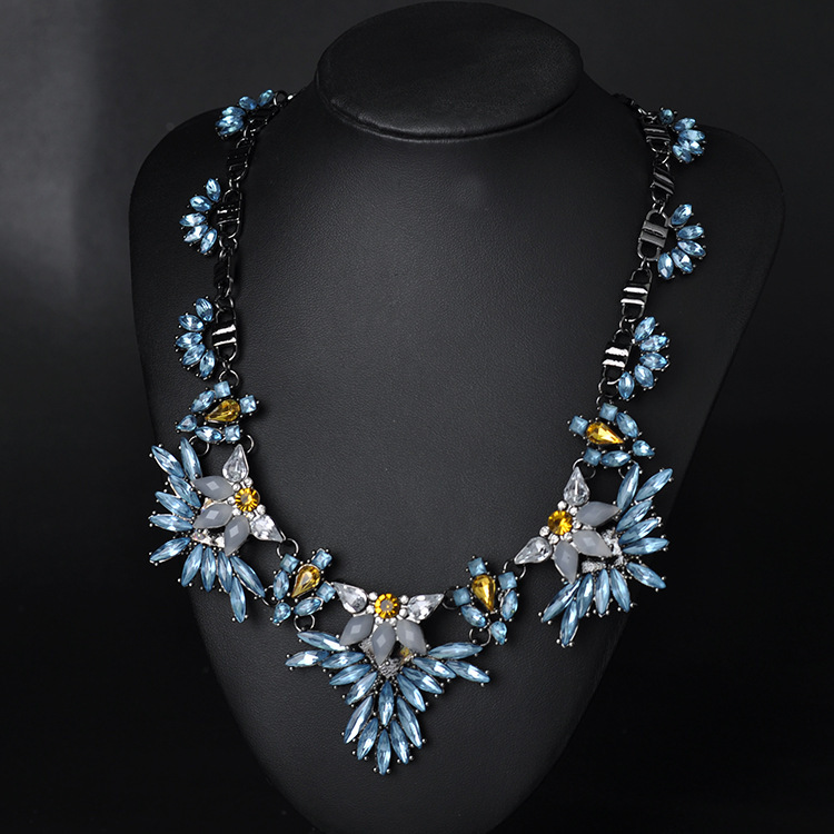 Europe fashion hotsale charming rhinestone flowers choker necklaces party statement jewelry fashion wholesale accessories(China (Mainland))