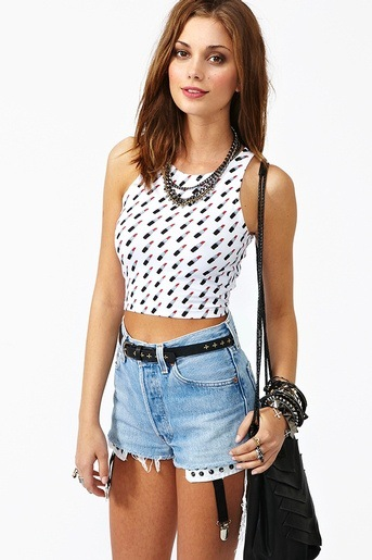 Shop tops on sale plus get fashion tips from FP Me stylists worldwide! Buy now and get free shipping – see site for details.