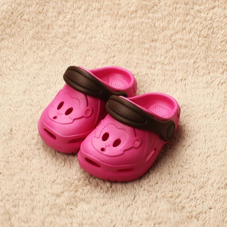 Venda quente 2015 sapatos buraco de cores doces chinelos macaco macho criança eco(China (Mainland))
