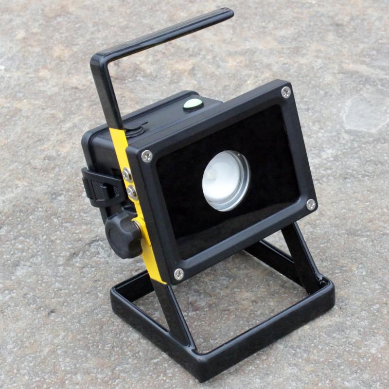CREE XM-L2 LED flood light Spotlight Searchlight 3modes rechargeable flashlight+3*4200mAh 18650 battery+charger