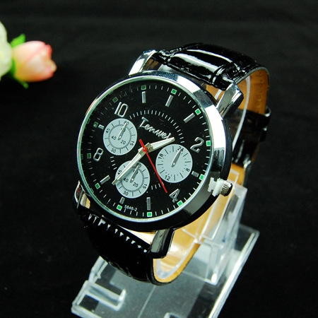2015 Casual Fashion Black Leather Strap Men Watch Relogio Luxury Brand Men s Military Watch Male