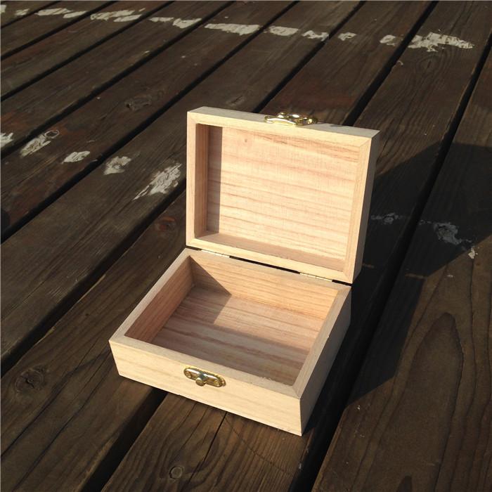 Короб для генератора из дерева