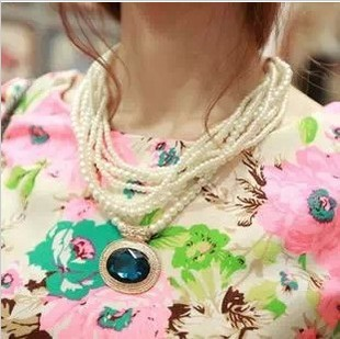 South Korea Sweet Multilayers Simulated-Pearl Crystal Sapphire/Emerald/white pendant Necklace XL-402(China (Mainland))