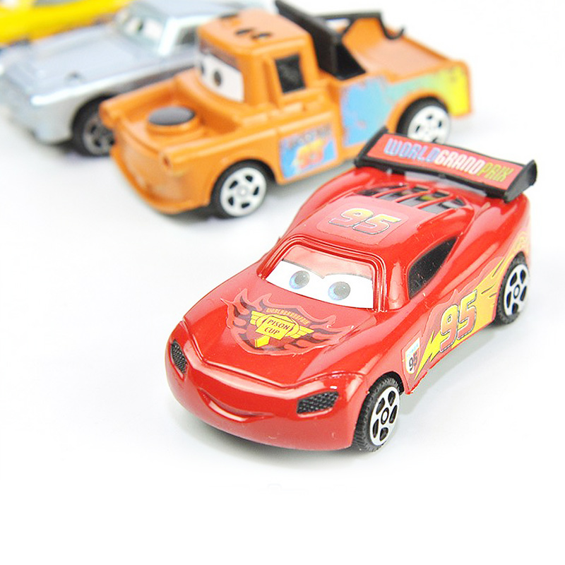 Diecasts vehicles Students plastic cars toy anime stalls selling Mini Pull Back children's toys christmas back to the car model(China (Mainland))