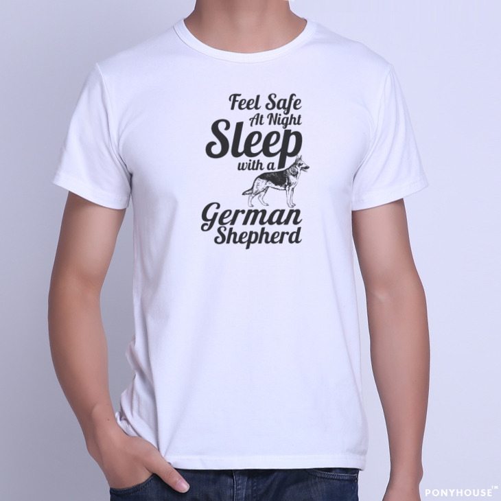 Гаджет  2015K SAFE WITH A GERMAN SHEPHERD GSD German Shepherd male short sleeved T-shirt None Изготовление под заказ
